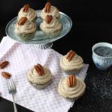 "Makové cupcakes se skořicovým ""Šmakoun"" krémem"